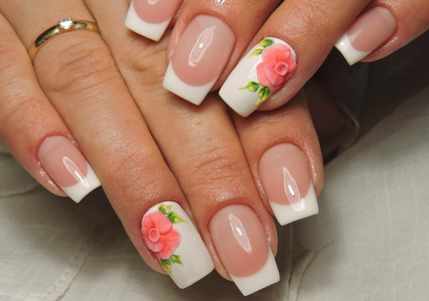 Белый френч с красными розами фото