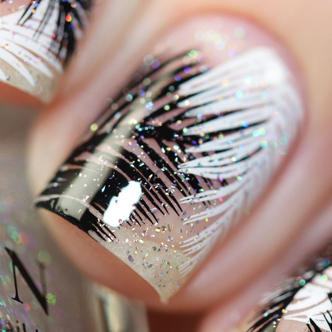 дизайн ногтей с перьями фото абрамович использует