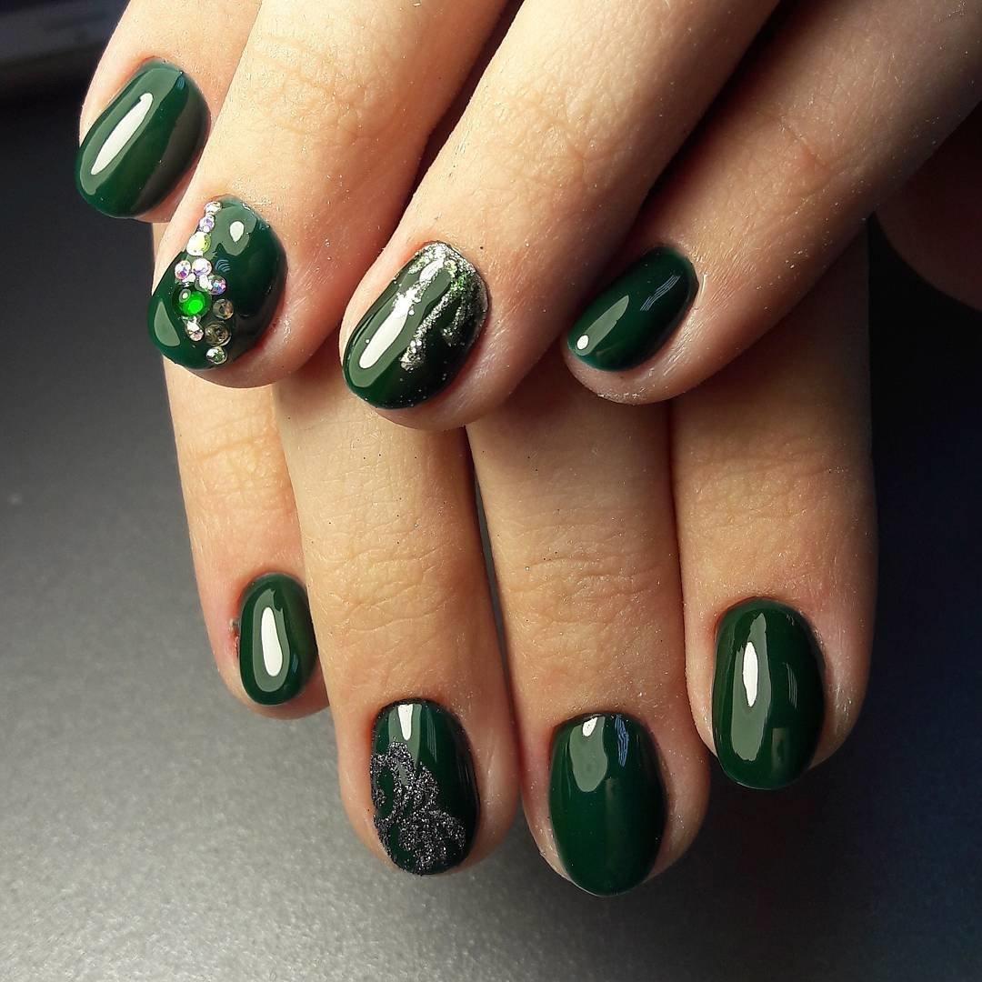 Маникюр с зеленым гель лаком (48 фото)