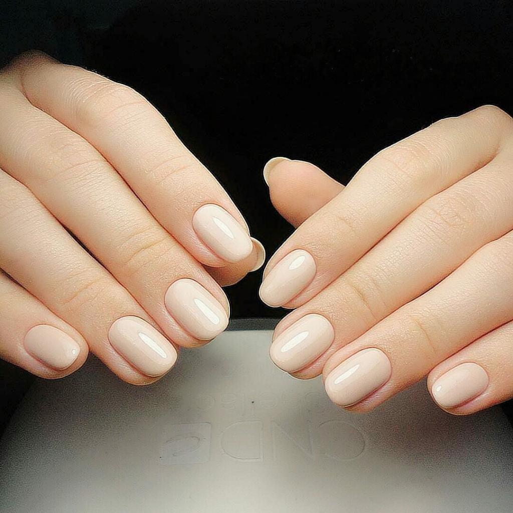 Круглая форма ногтей картинки