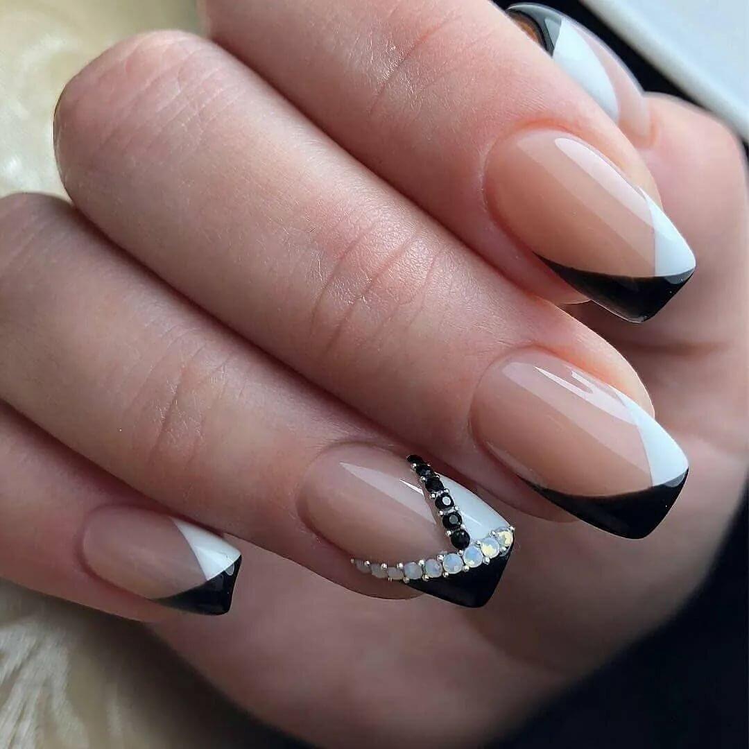 Фото ногтей квадратной формы с рисунком