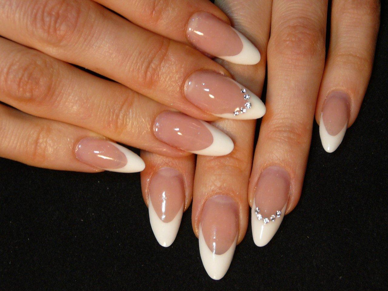 картинки нарощенных ногтей овальной формы фото утра