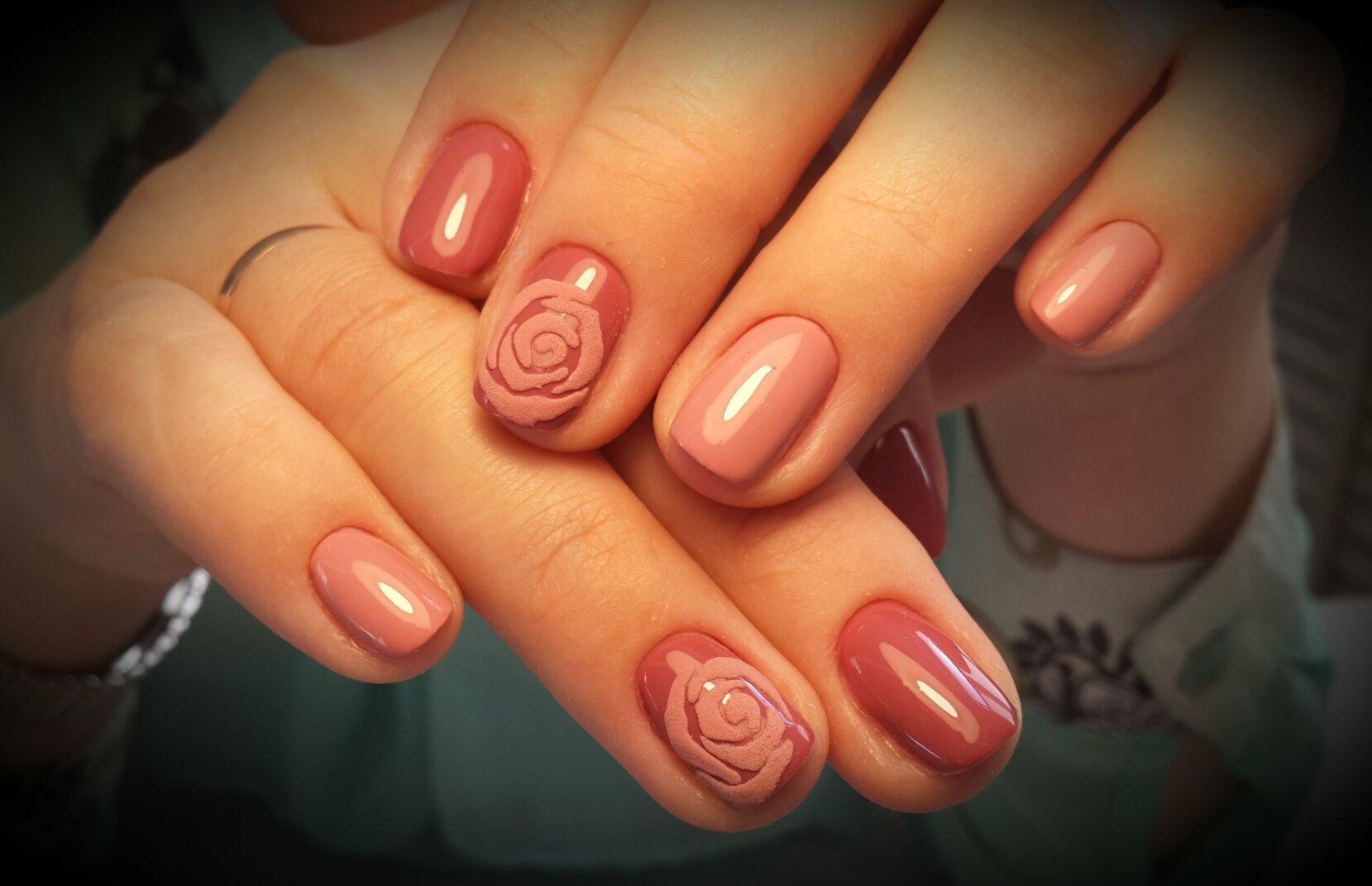 картинки с розочками ногти саду выглядит, как
