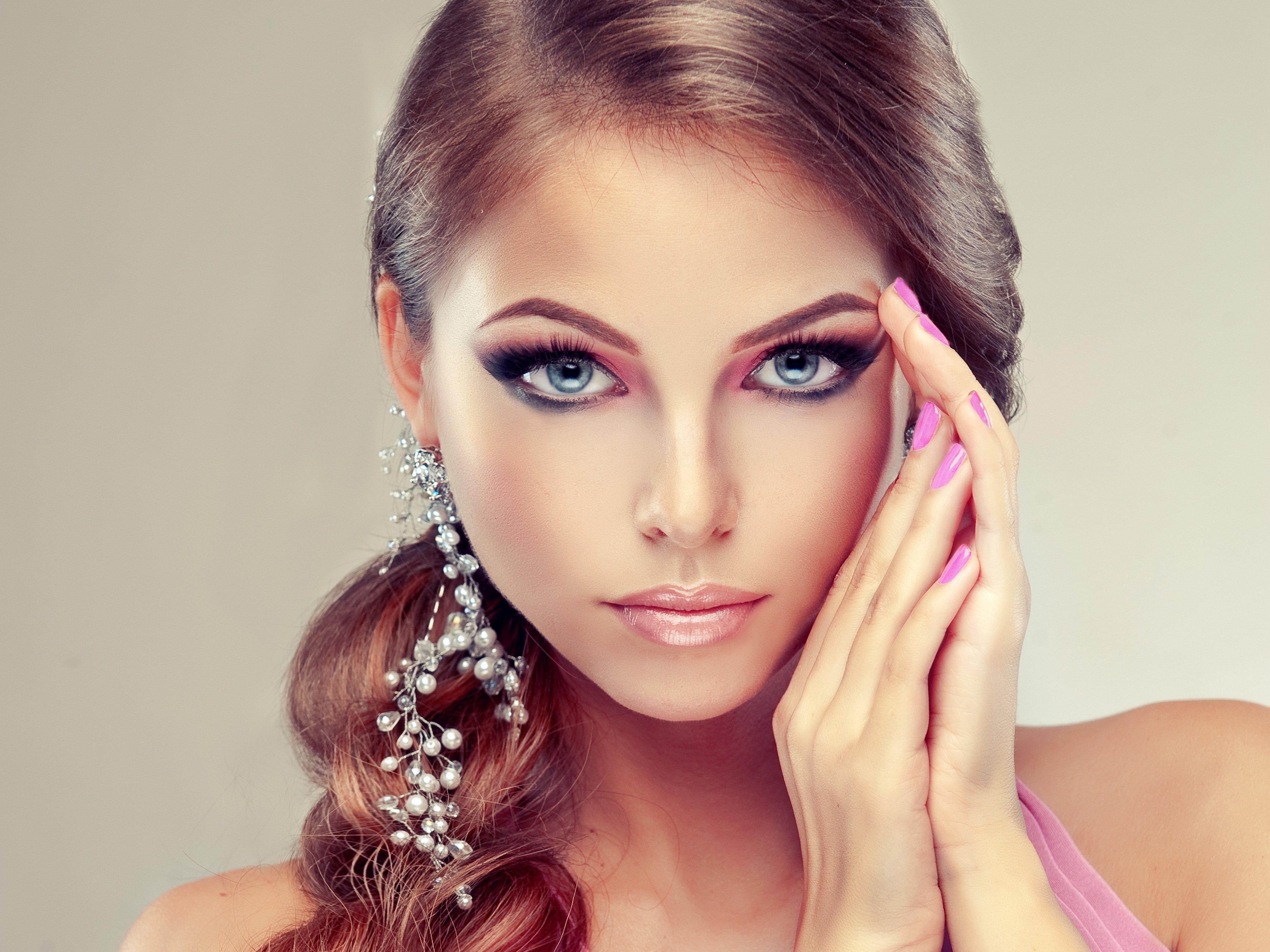 героя фото женских лиц макияж именно