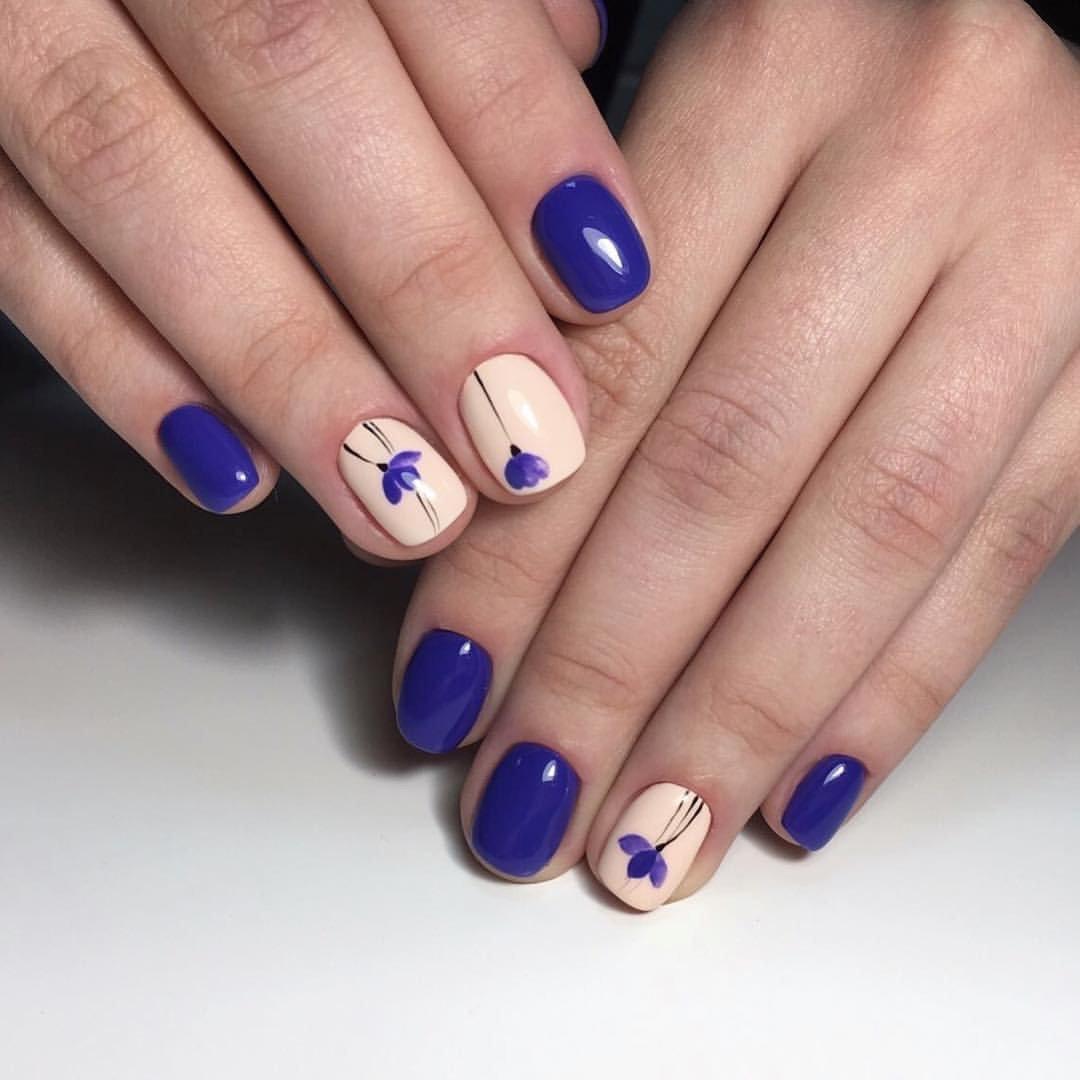 Маникюр синего цвета на короткие ногти фото