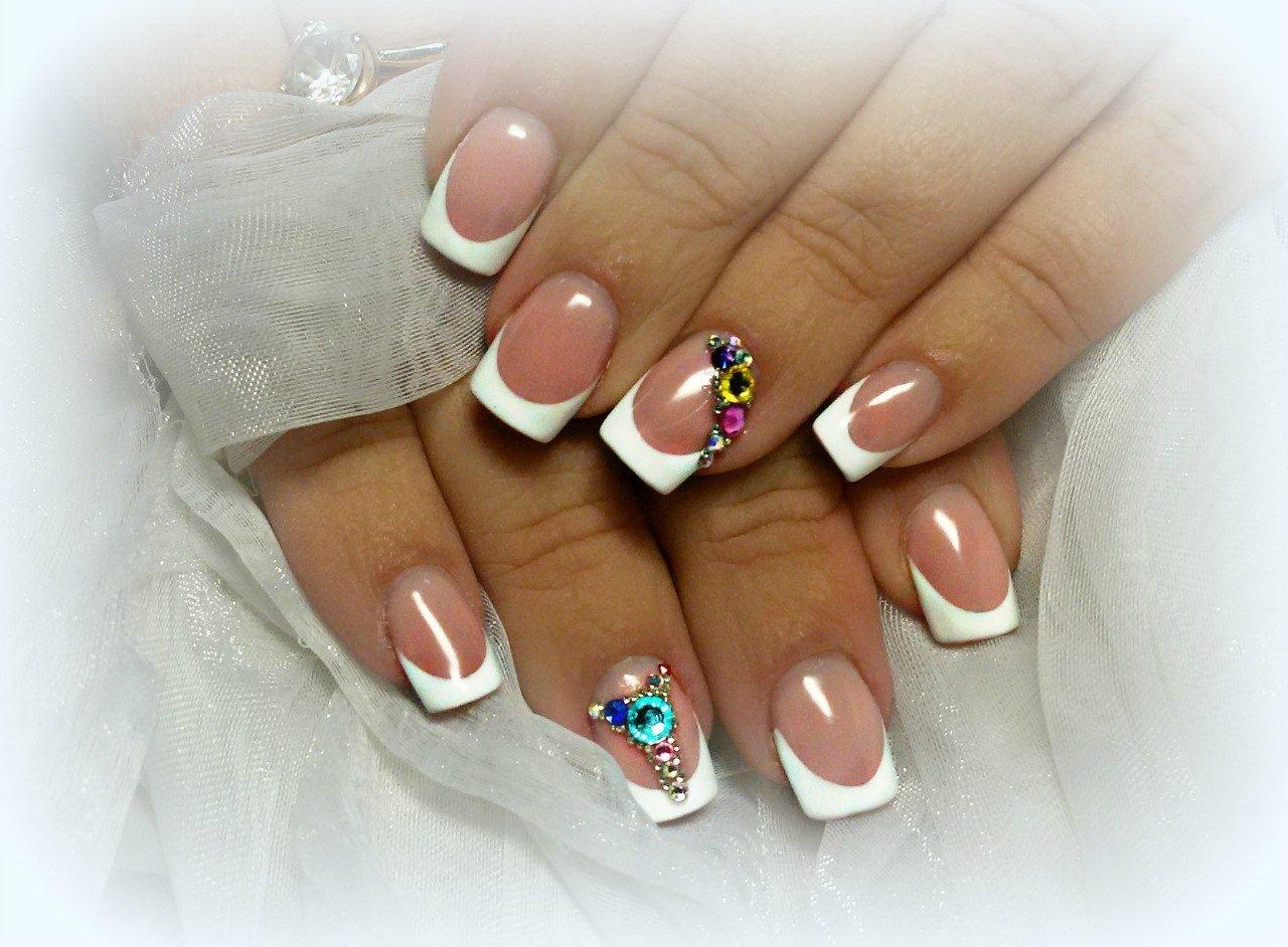 картинки ногтей френч белый со стразами фото именно помощью