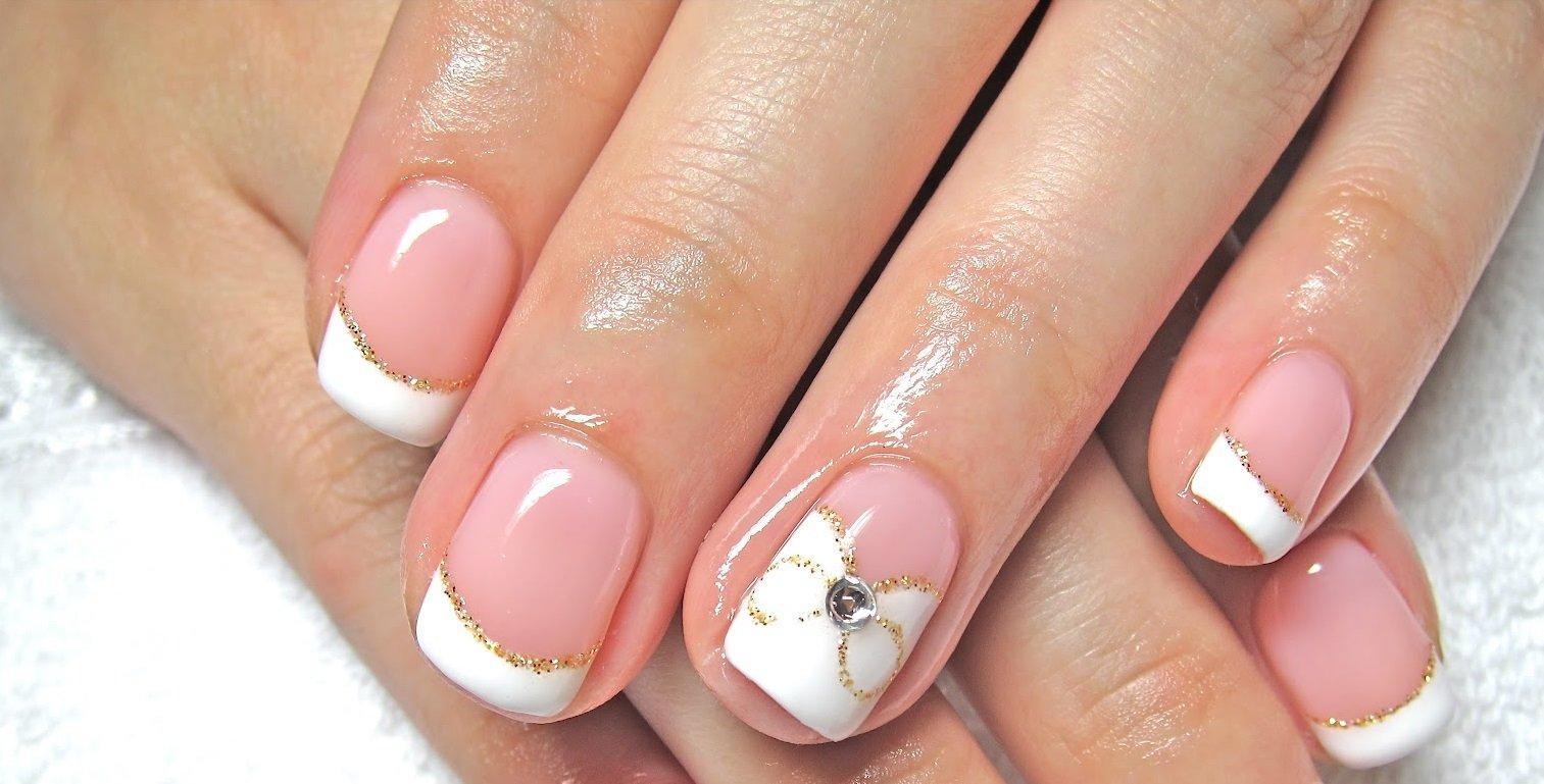 Фото френча на коротких ногтях с рисунком