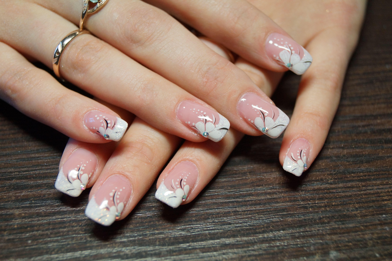 Гелевые ногти с рисунком