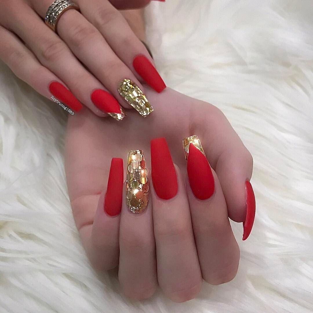 Дизайн ногтей красный с золотом картинки
