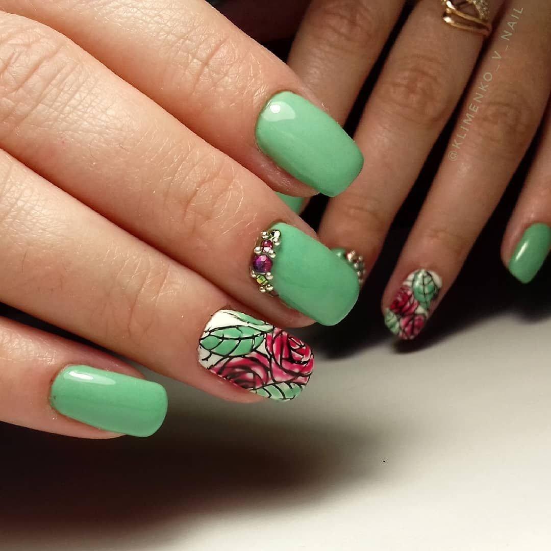 где фото весенних ногтей зеленого цвета того