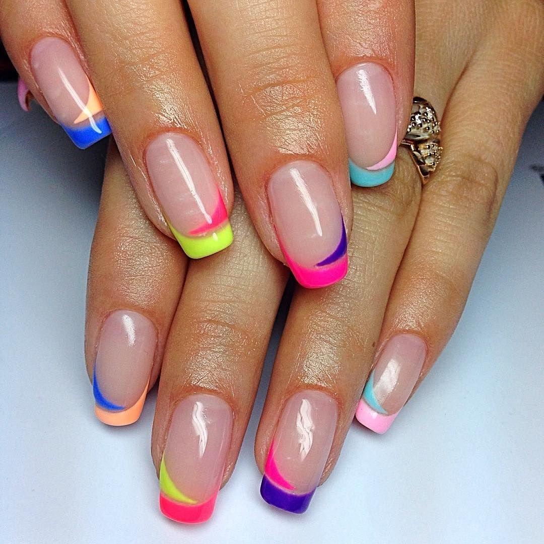 Маникюр на короткие ногти фото френч цветной