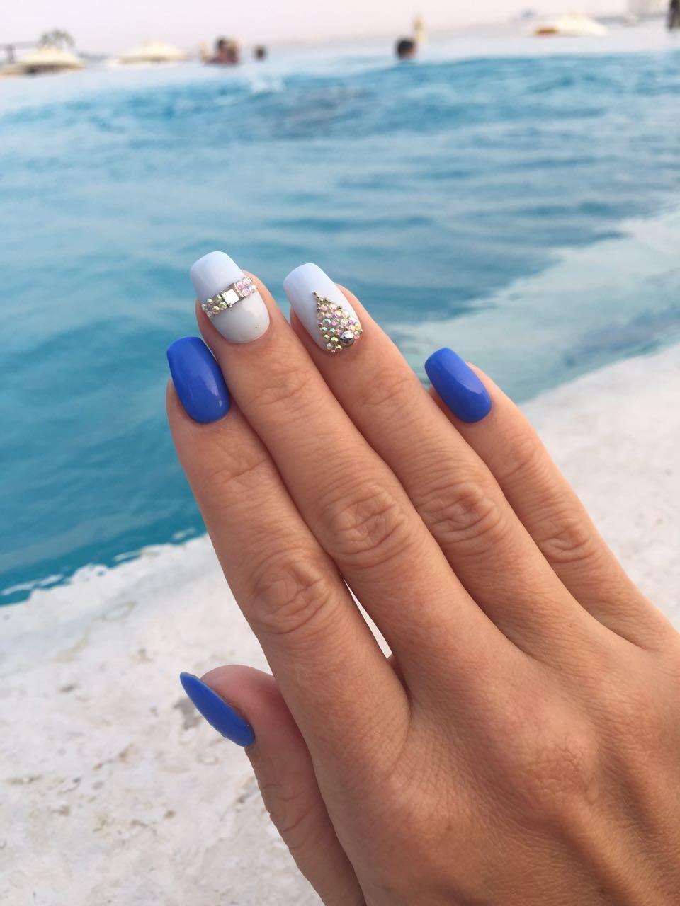 это фото красивых ногтей нарощенных в морском стиле город визуально
