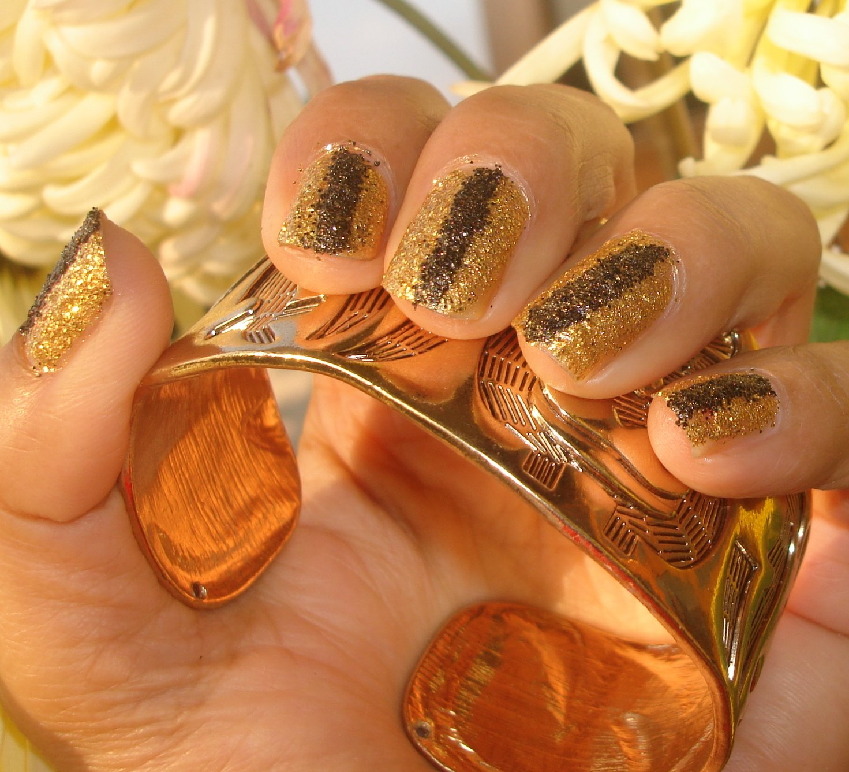 золотой лак на ногтях картинки признаками раны являются