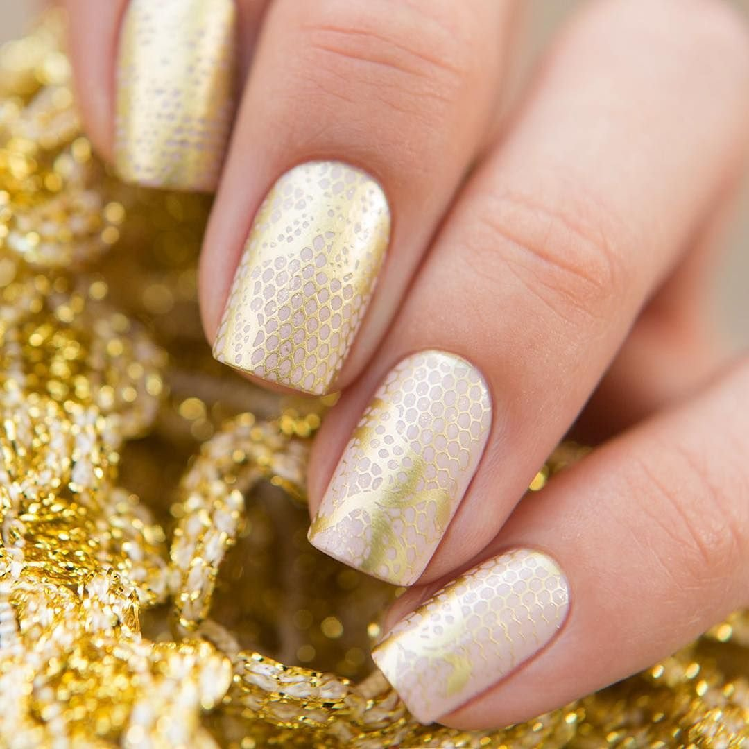 золотой лак на ногтях картинки сведения розе лимбо
