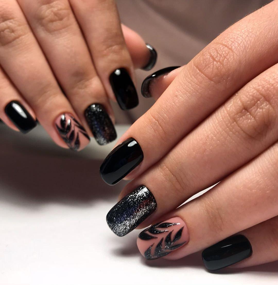 Маникюр с черным цветом лака (31 фото)