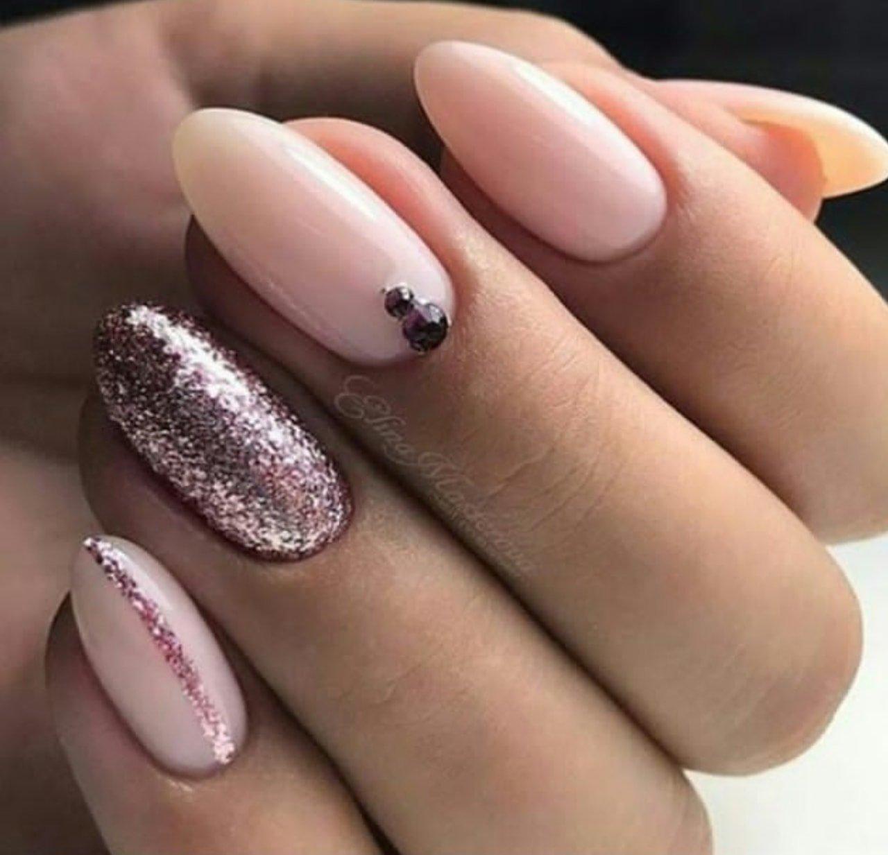Маникюр на миндалевидные ногти 2020: фото новинки модного и