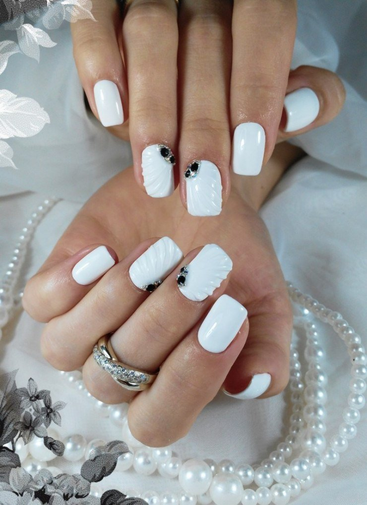 картинки белых ногтей на руках хочу