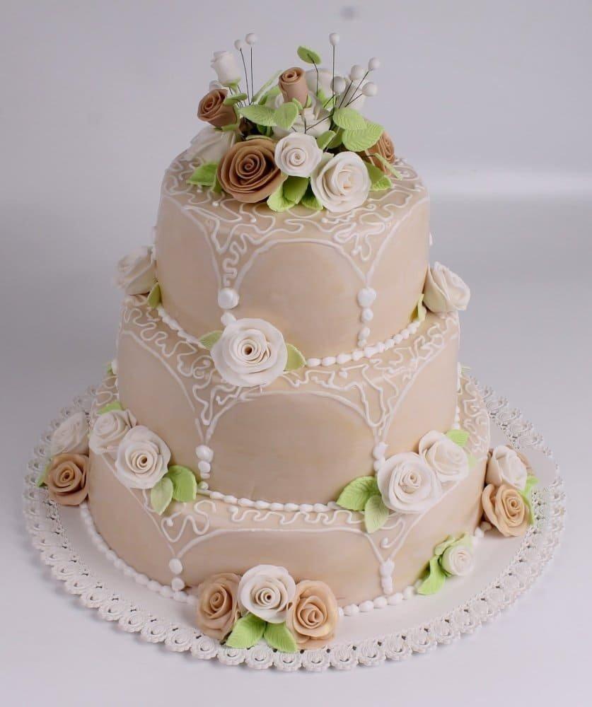 меня фотографии тортов на свадьбу них