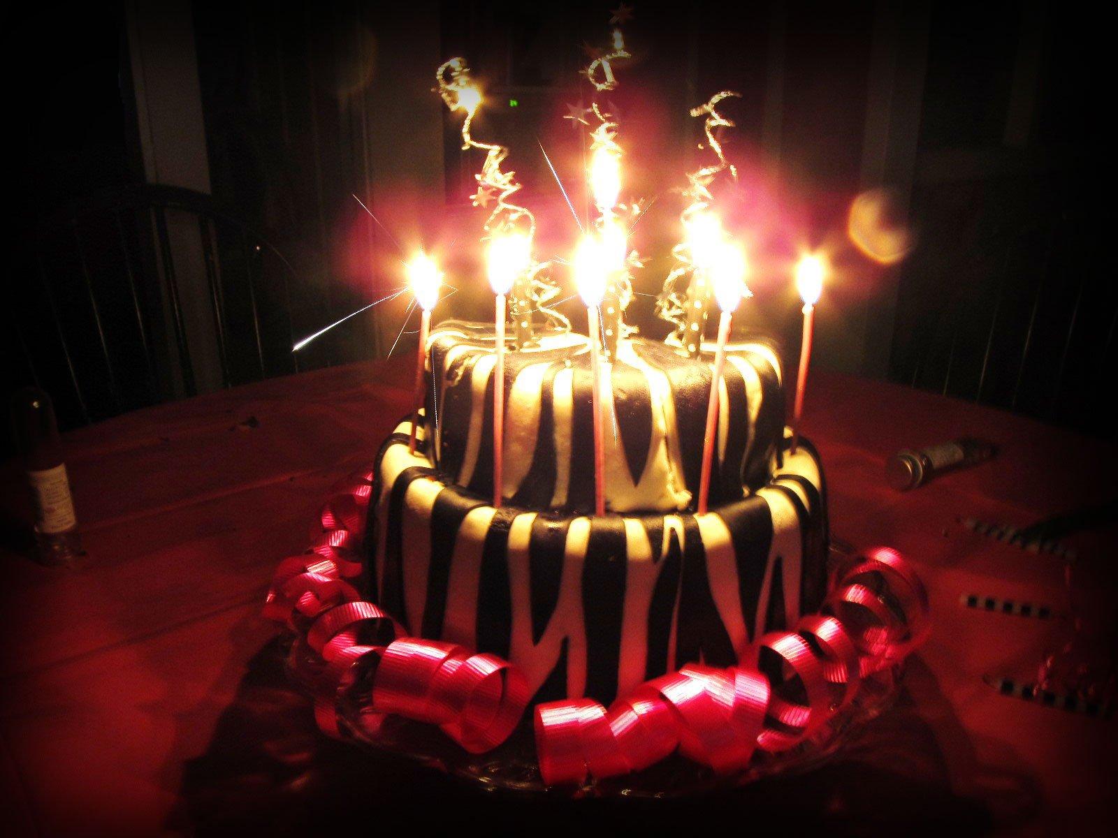 Торты со свечами картинки