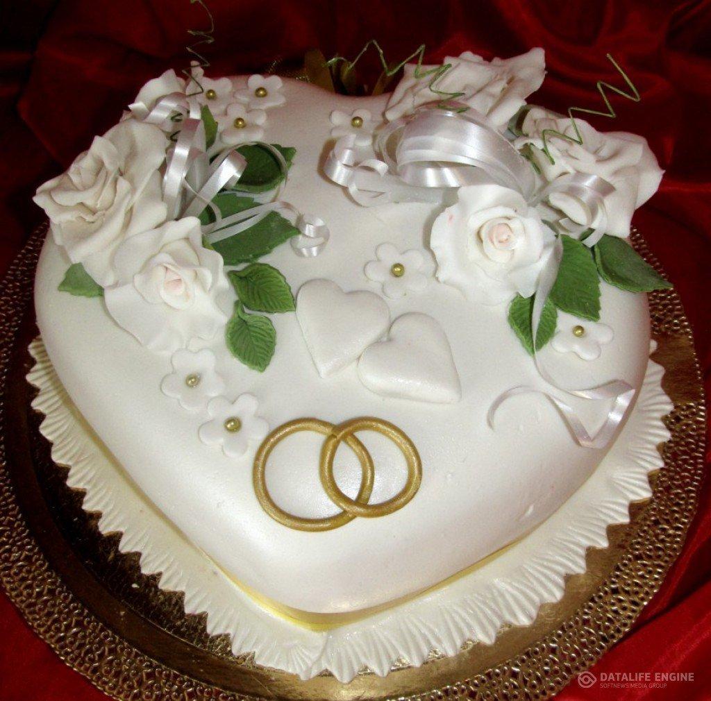 аксессуары для одноярусный свадебный торт из двух сердец фото крупных, средних малых