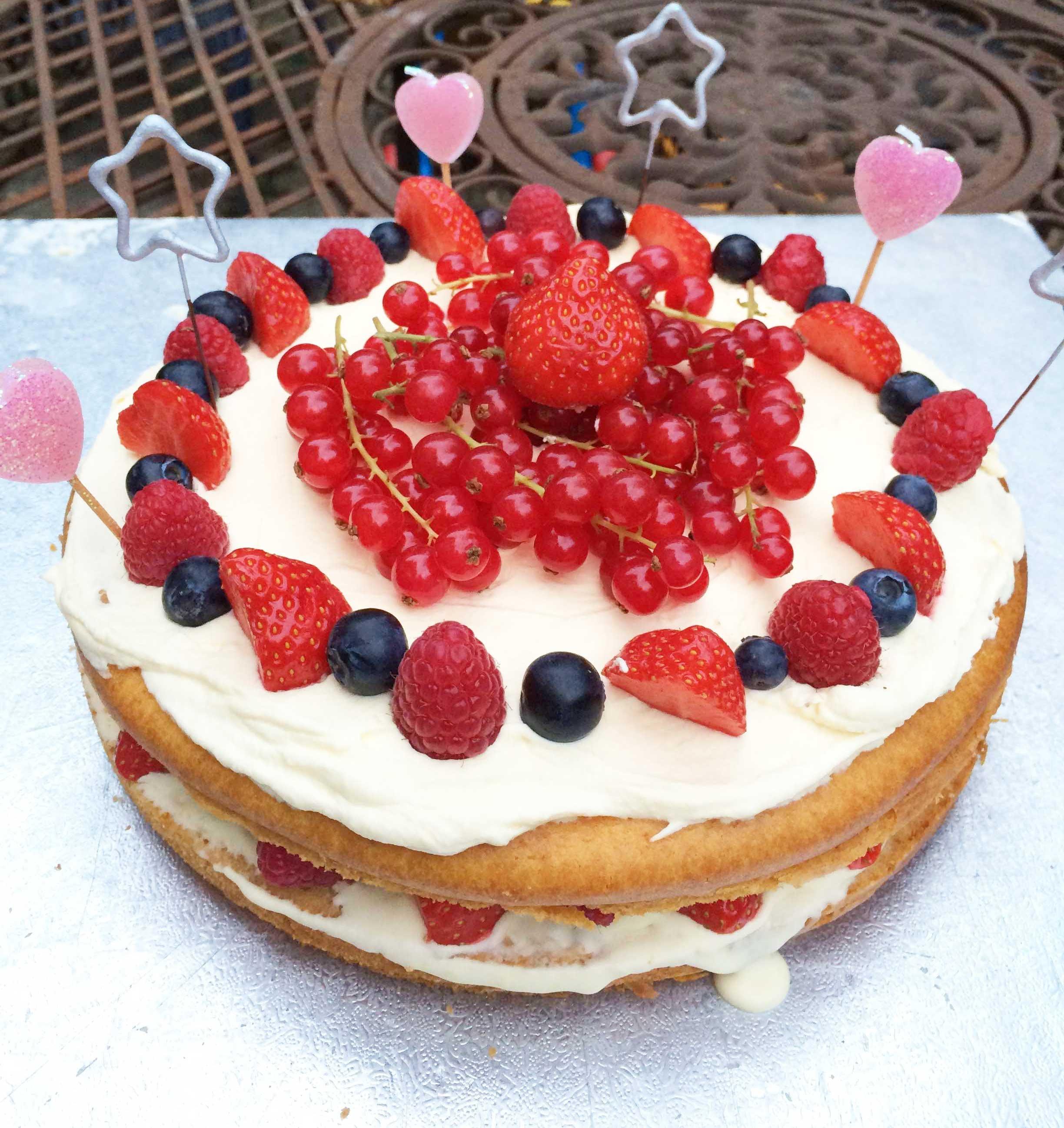 торт из готовых бисквитных коржей фото если