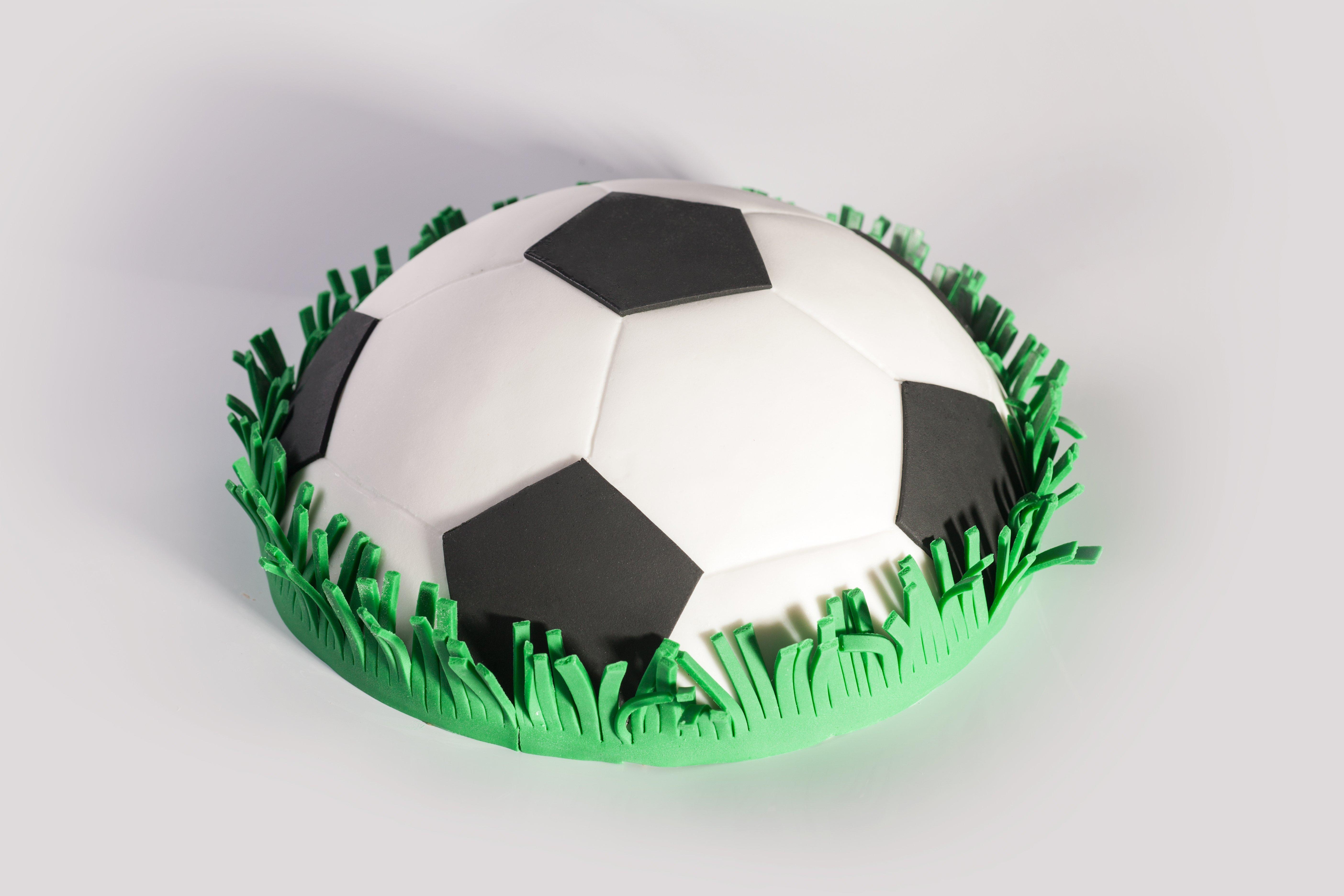 Фото в виде футбольного мяча