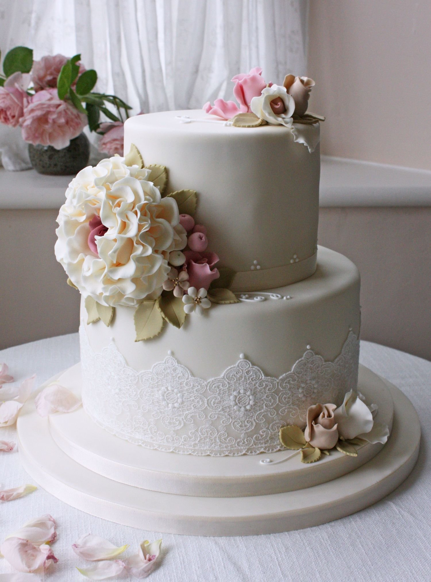 торт свадебный двухъярусный фото персонажи