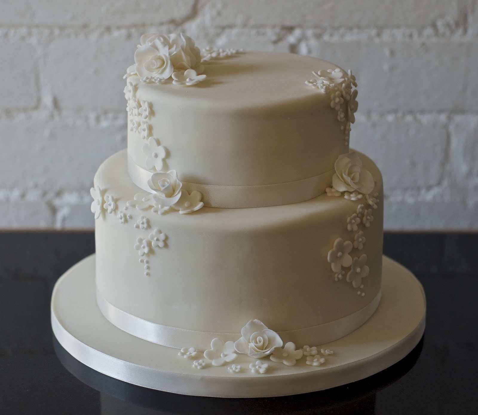 Торт свадебный двухъярусный фото