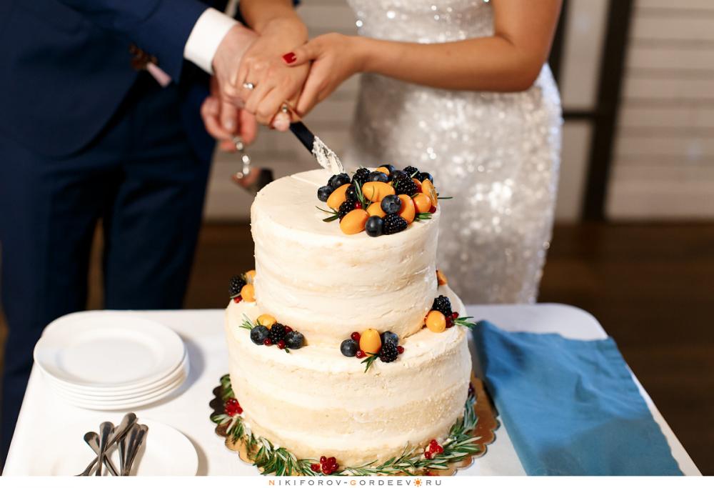 поле торт свадебный двухъярусный фото указанные