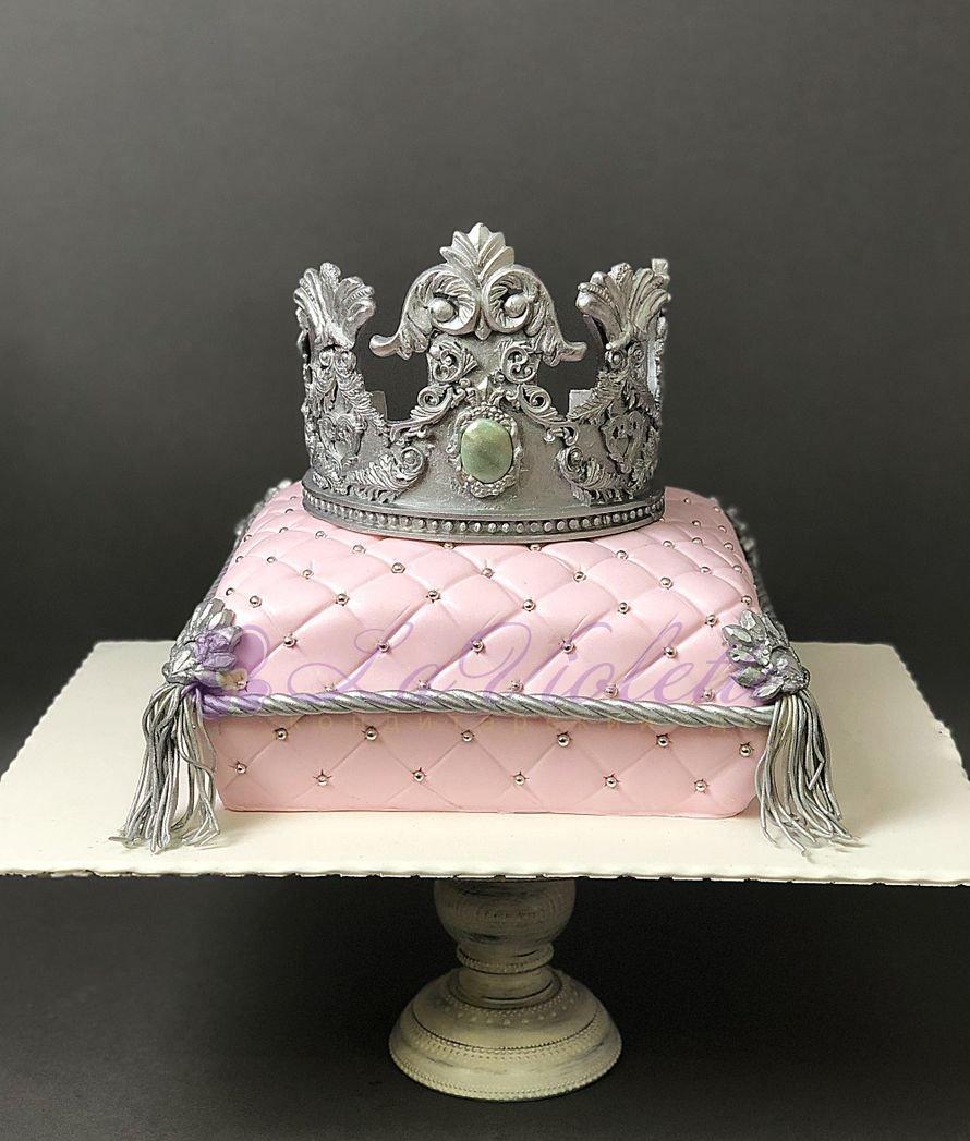 торт моей королеве фото касается