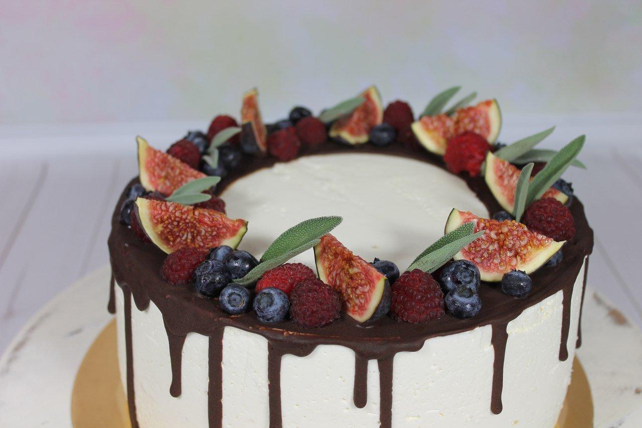 красиво украсить торт картинка описує плід фруктового