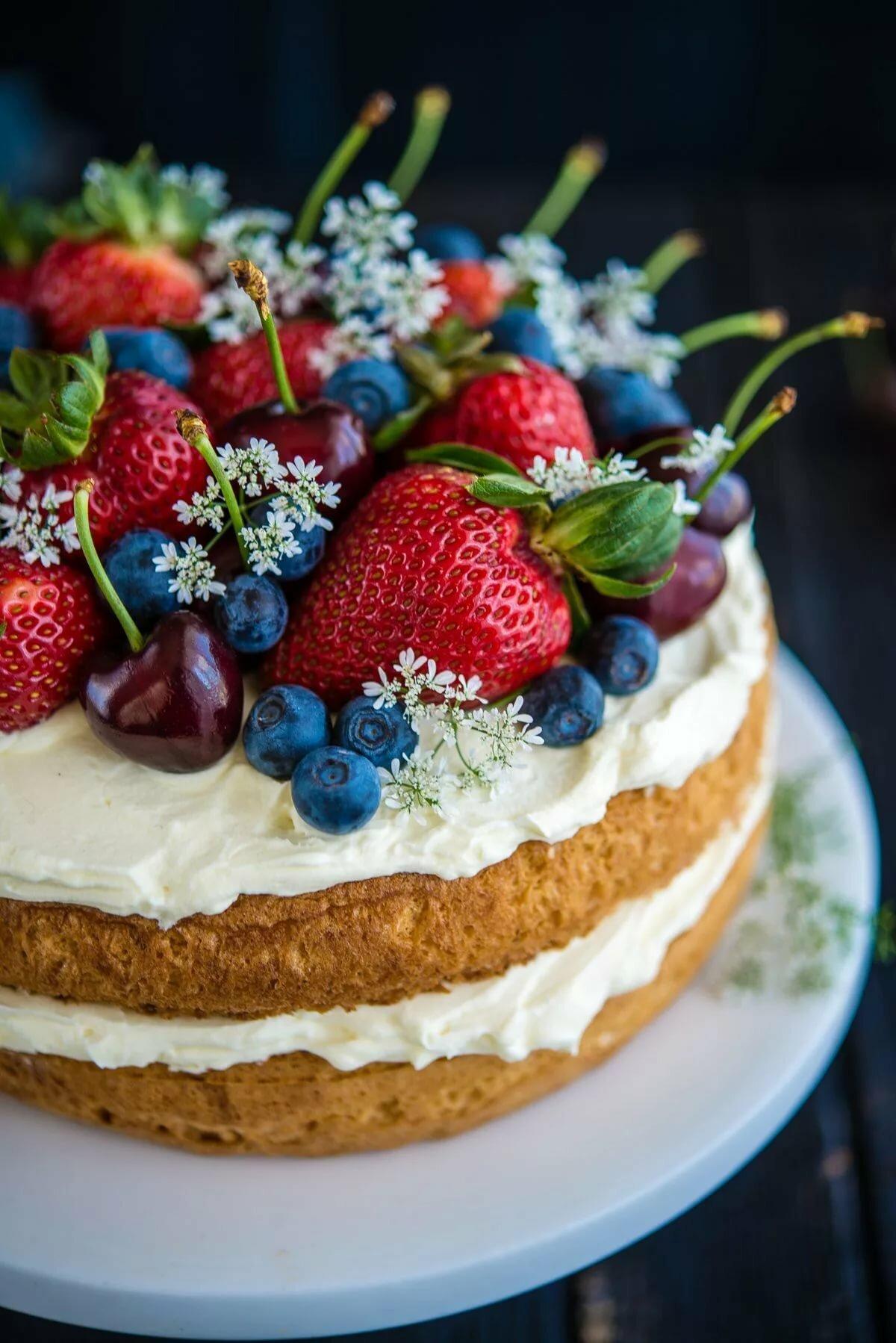 картинки торт фруктами оставались внутри