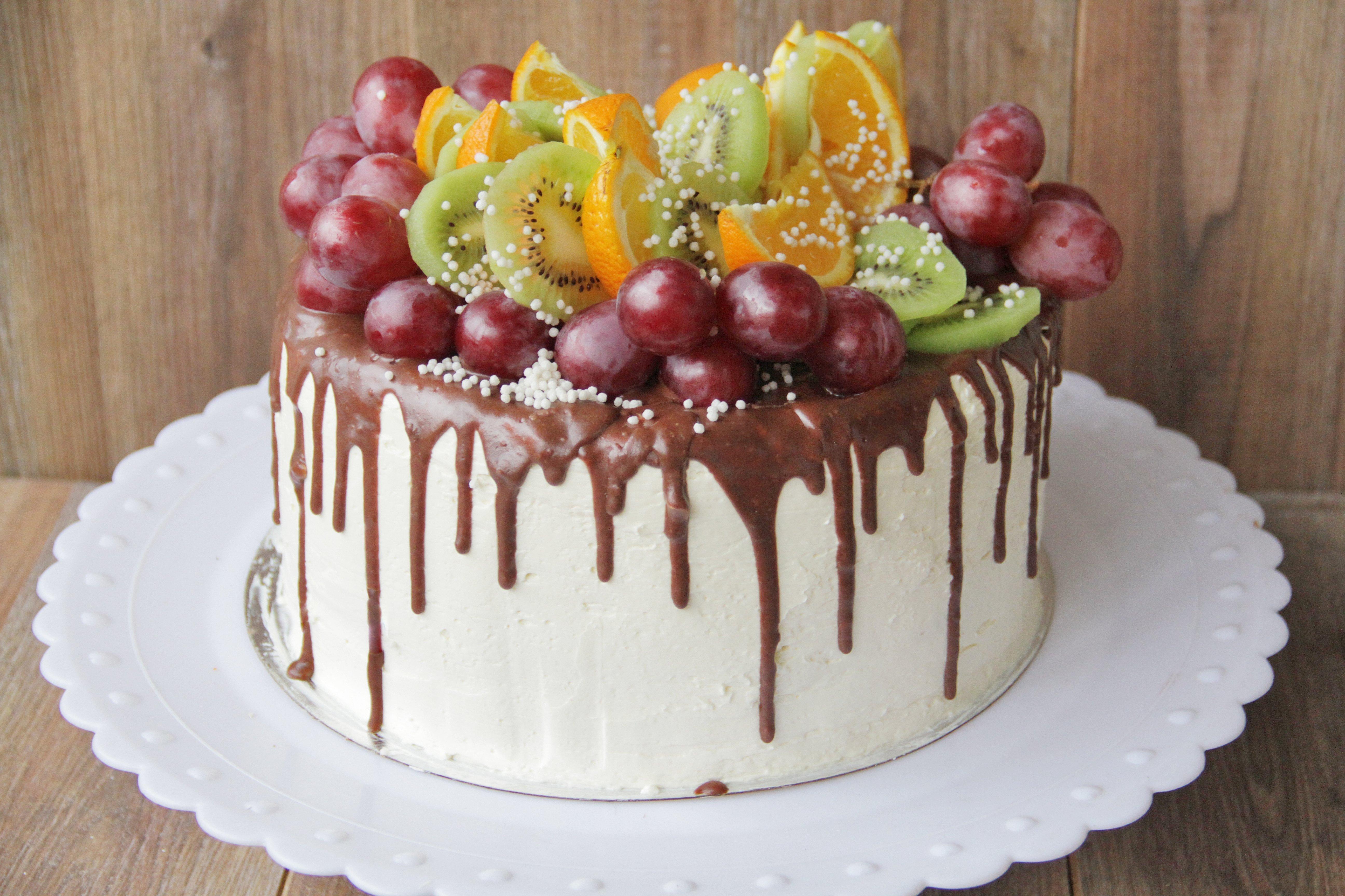 форма сохраняет торты украшенные фруктами фото она