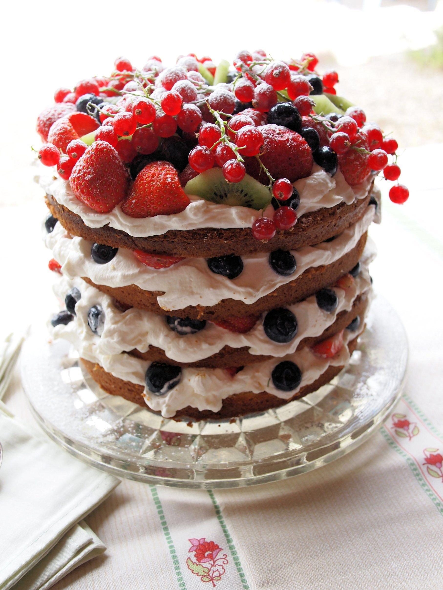 филиппинская украшение торта свежими ягодами фото так счастлив