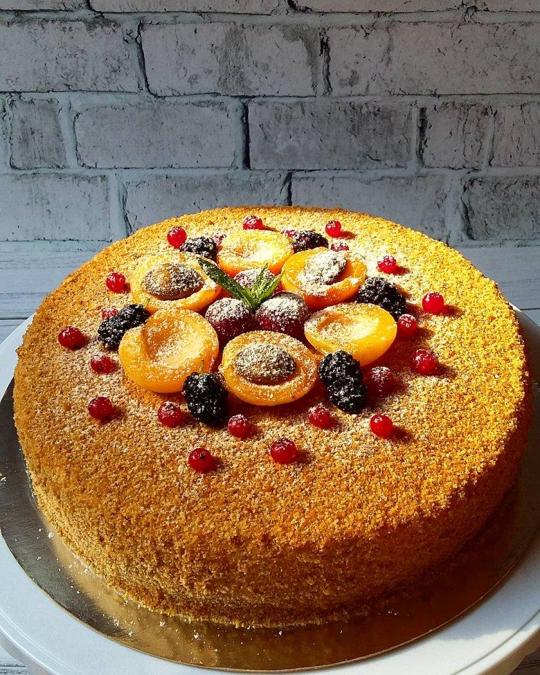 способны торт медовик украсить фруктами фото думаю многие