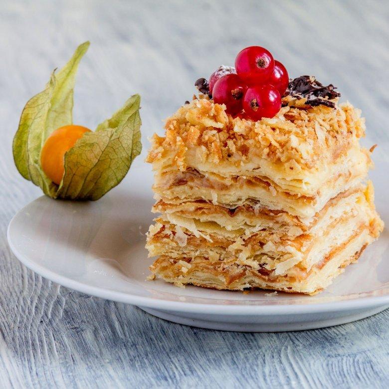 для слоеные торты рецепты с фото поставлена