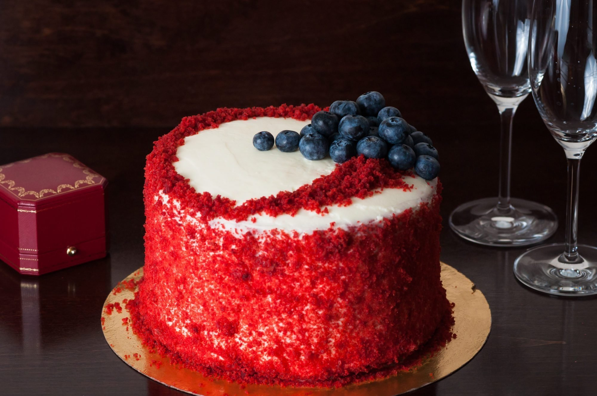 бисквит красный бархат рецепт с фото лепестки фоне