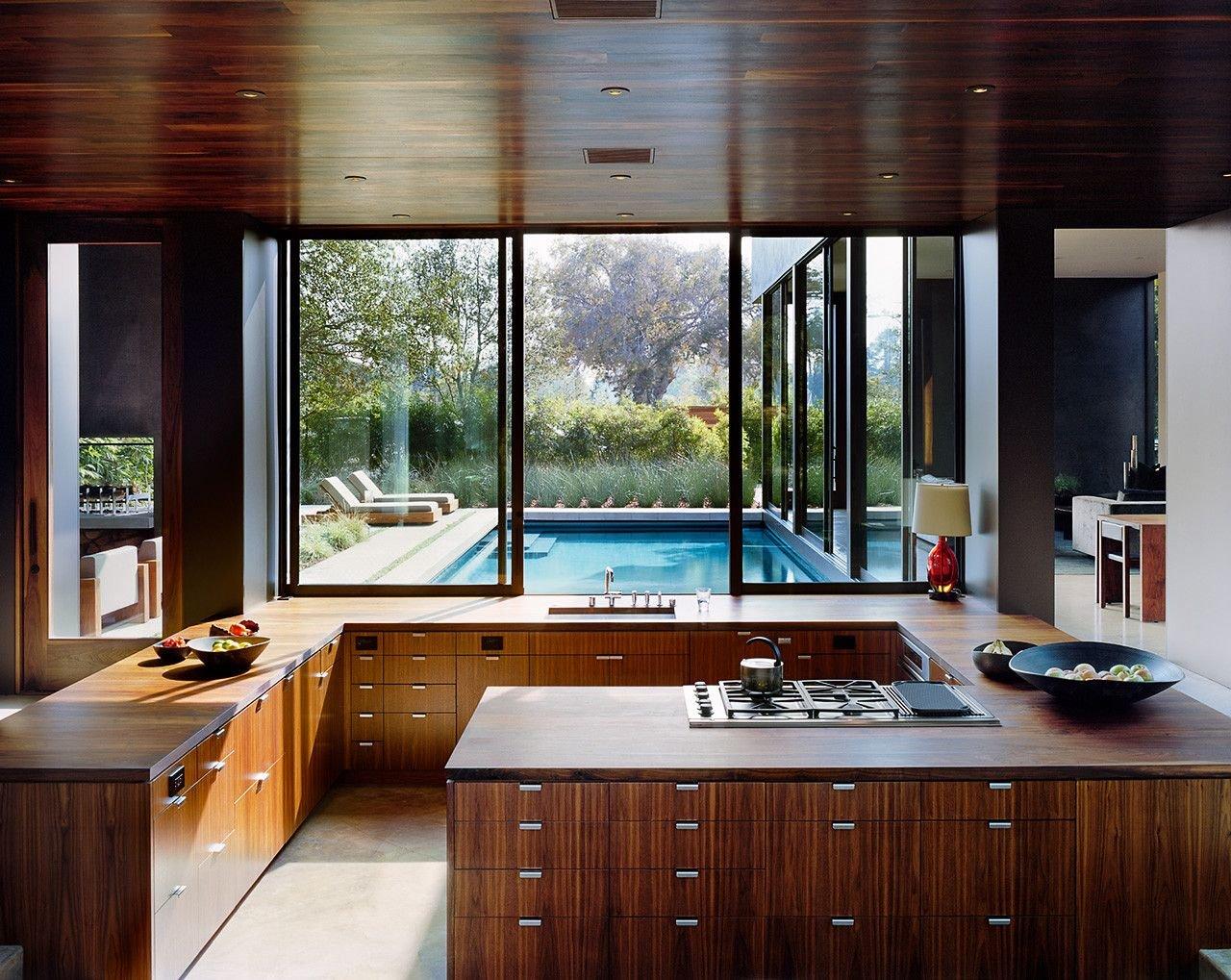 картинки кухни с большим окном кривой, излишняя