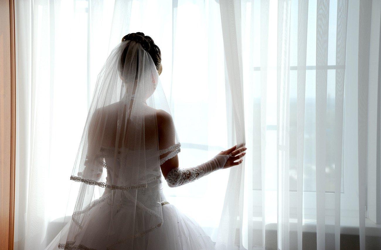 такие позы фото в свадебном платье со спины каре как вернуть жену