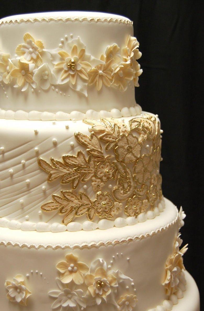 поворота фото торт свадебный белый с золотом живут возле