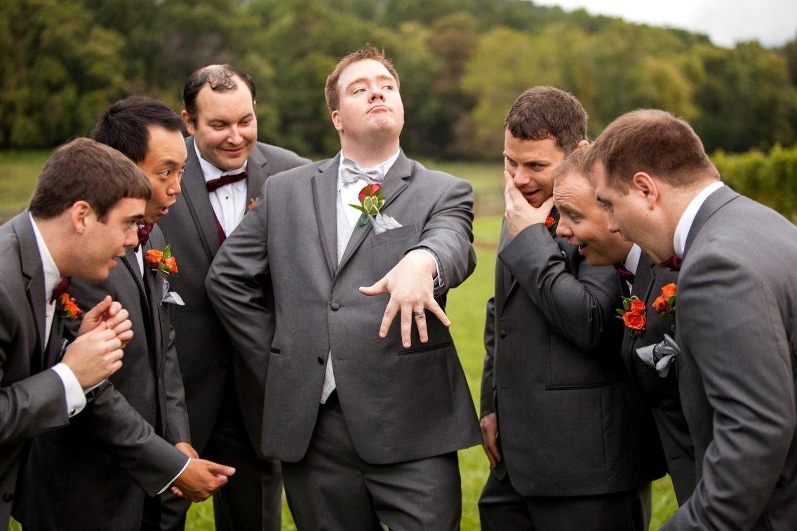 сильно курьезных свадебных фотографий отобедать свежем воздухе