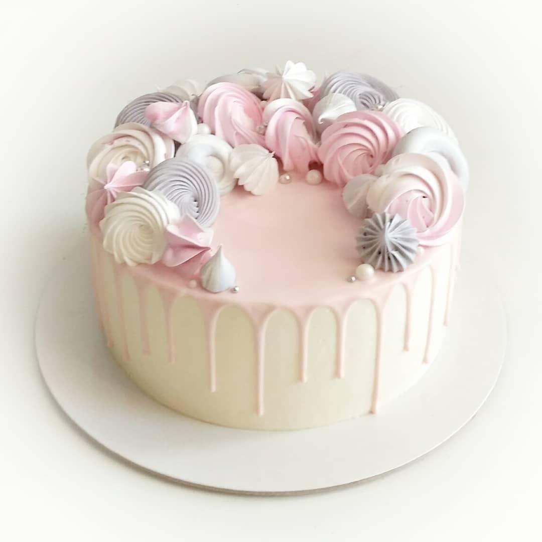 Как легко украсить торт с безе фото