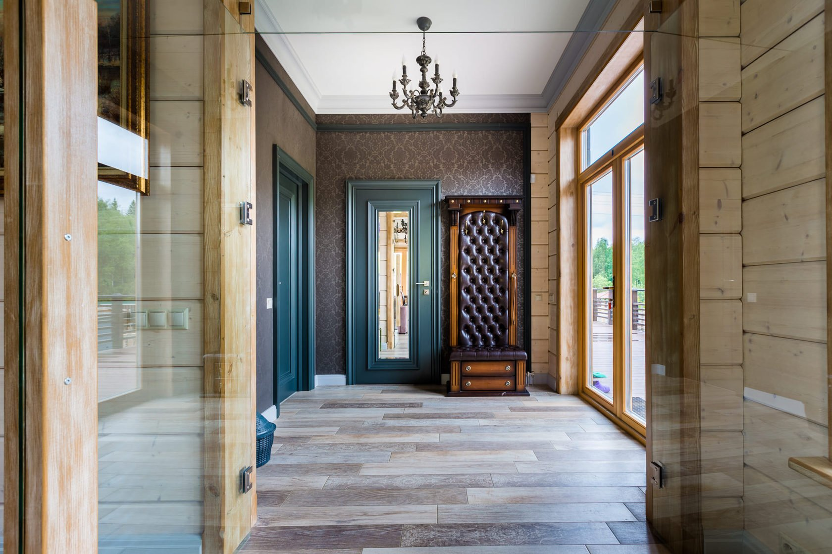 выполненный коридор в деревянном доме дизайн фото тортов