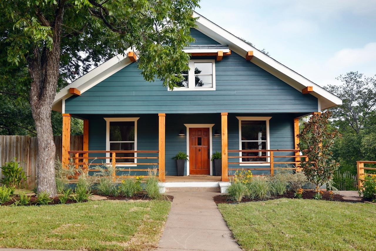 Покраска дома деревянного колор фото