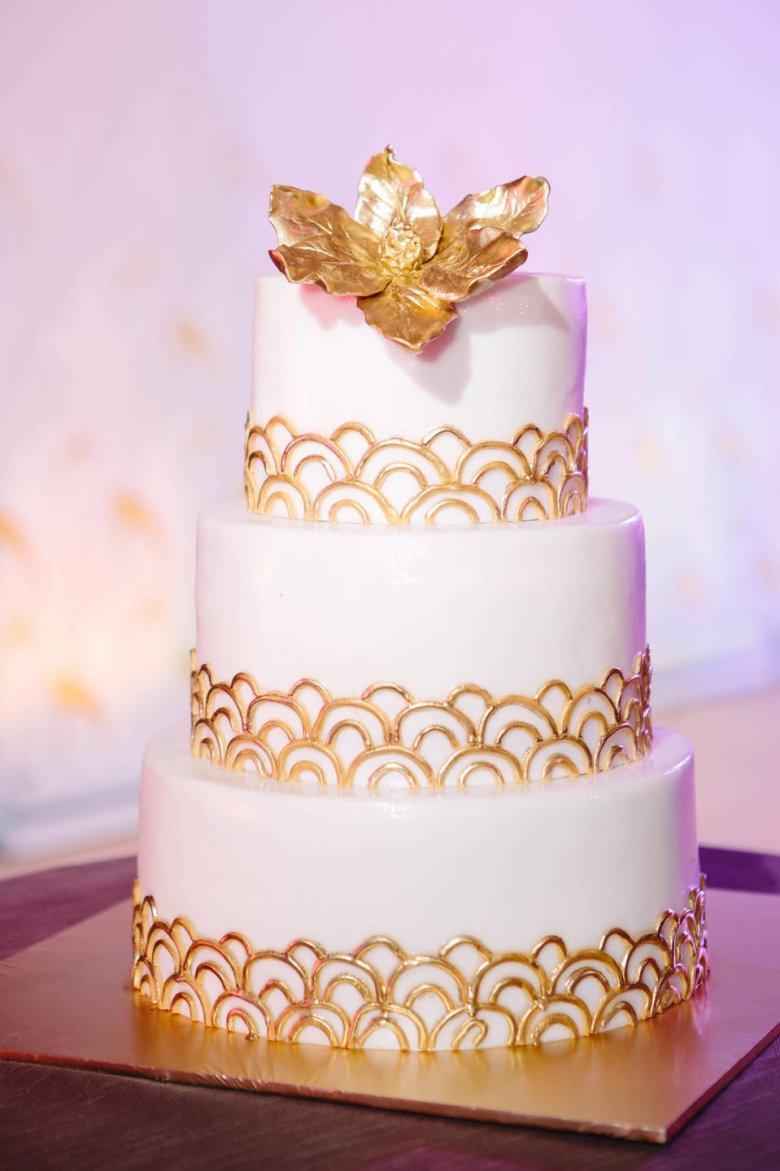 фото торт свадебный белый с золотом новый выпуск колоды