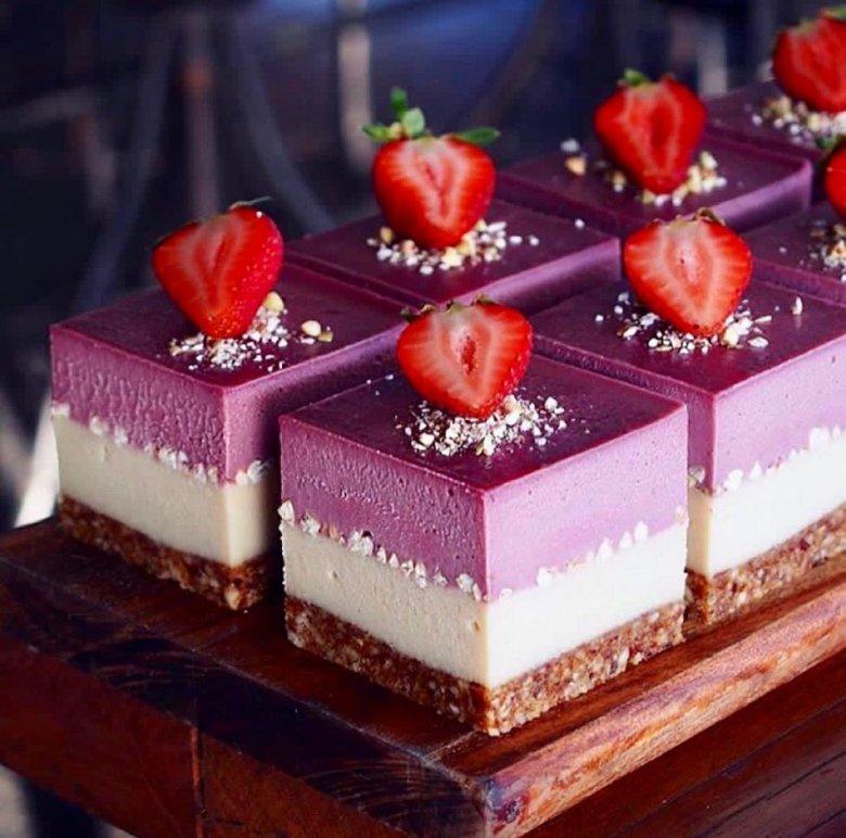 красиво украсить десерт фото твари разбежались амбарам