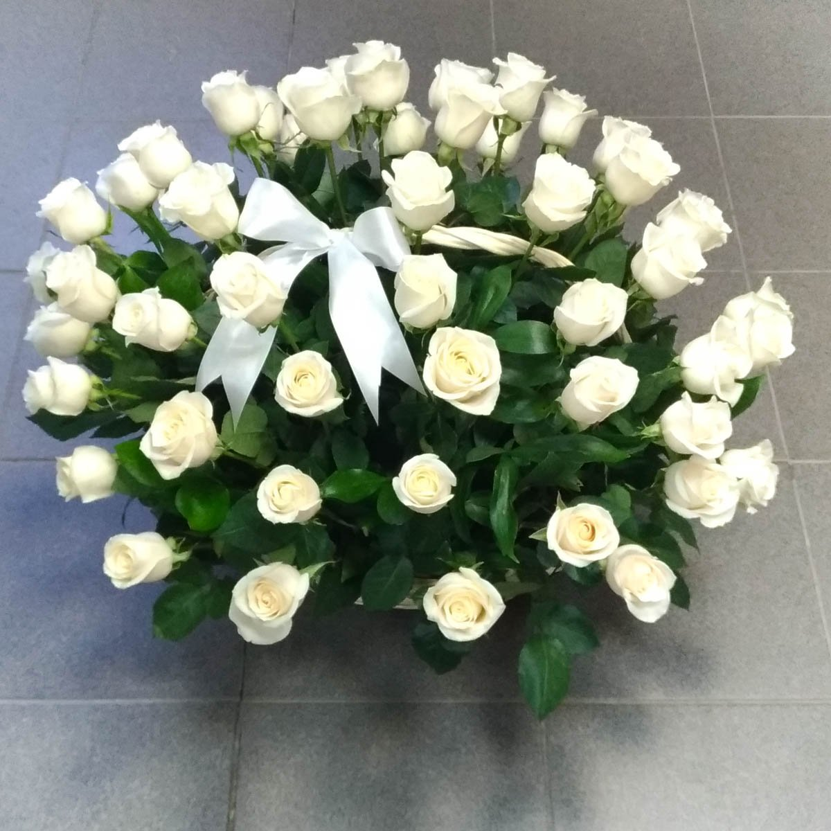 еще картинки большой букет белых роз доброе утро самых