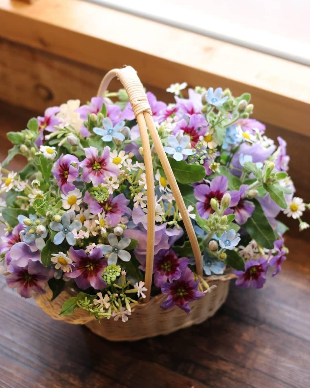 Картинки гиф букеты цветов драгоценного