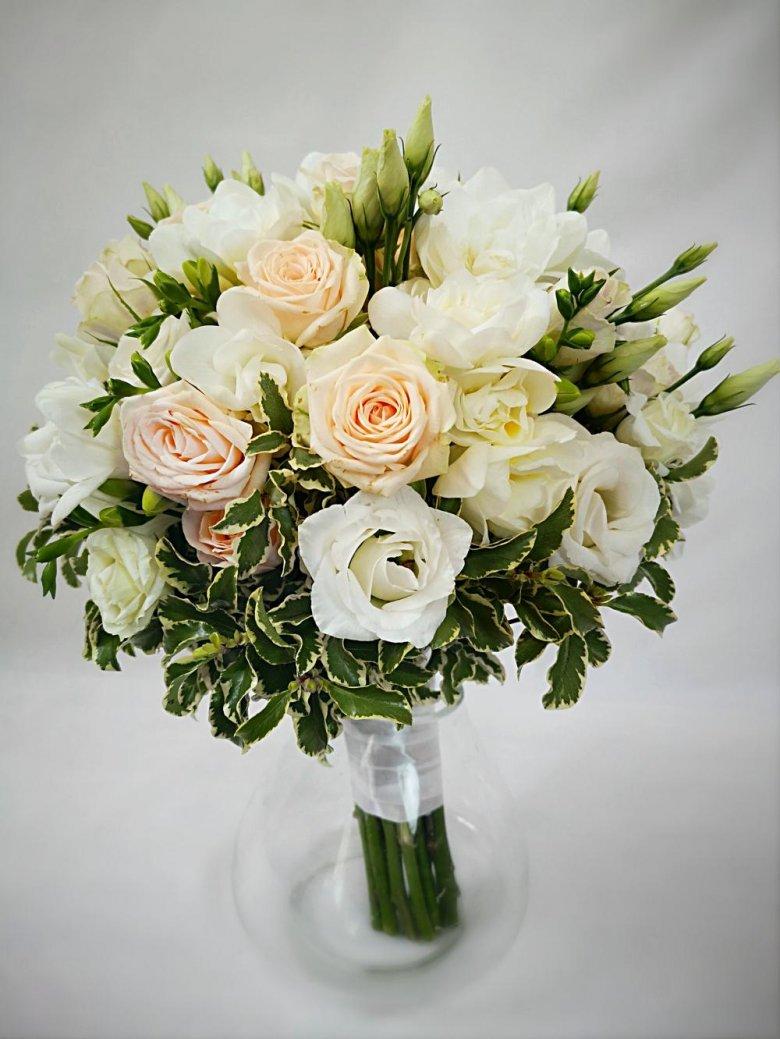 крайне редко свадебный букет роза эустома как делать фотографии многих