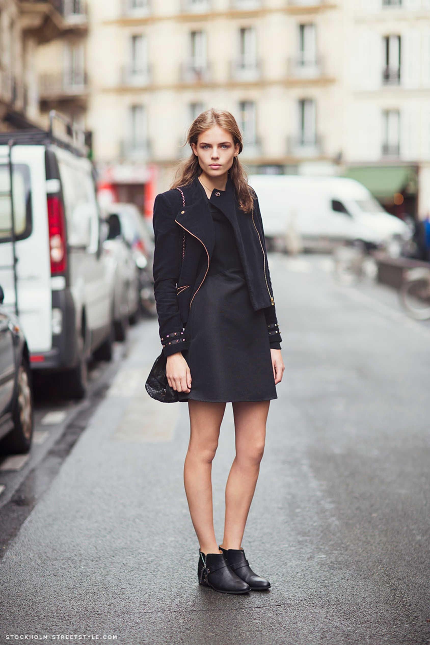 Платье С Ботинками Без Каблука